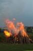 20130628-sonnwendfeuer-entzuendung-3