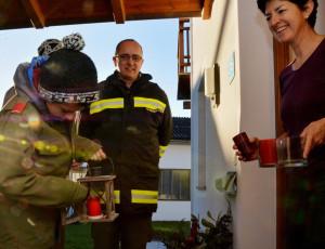 Feuerwehrjugend bringt Friedenslicht